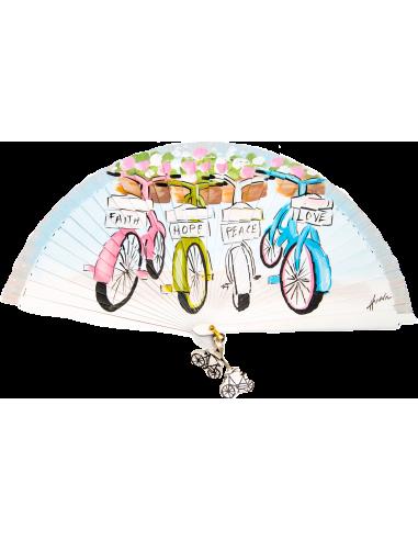 Abanico con bicicletas aparcadas